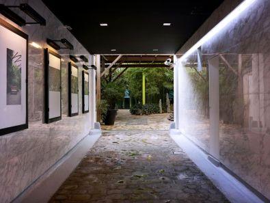 Porche Studio Cyclone